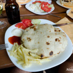 Pljeskavica in pita bread